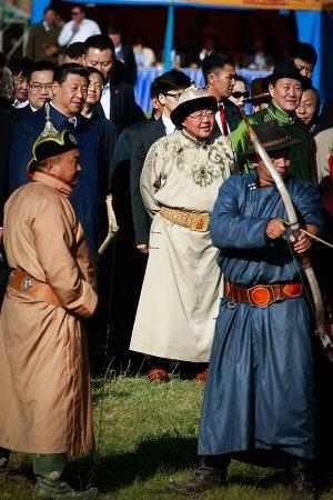 БНХАУ-ын дарга Си Жиньпины айлчлал - Бэсрэг наадам